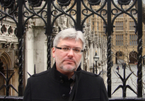 Писатель Евгений Водолазкин - один из немногих современных авторов, кто выходит на сцену и участвует в постановках по своим же произведениям