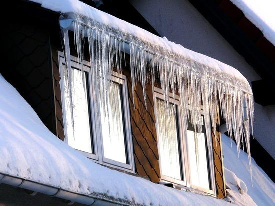 Около 4 тыс. жителей Приморья остаются без света из-за ледяного шторма
