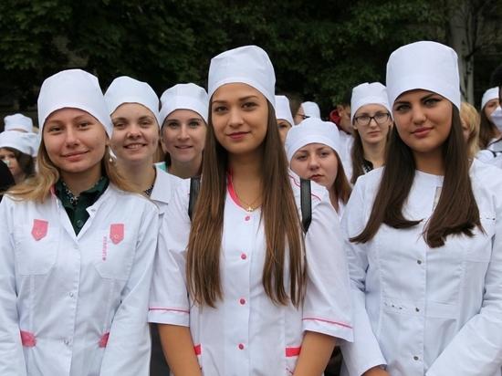 Студентов-медиков в костромских колледжах в 2021 году станет на треть больше