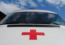 Автомобиль врезался в толпу на остановке в Челябинске