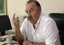 Депутат Госдумы Валерий Газзаев осудил тех, кто продает марки с Адольфом Гитлером в Орле