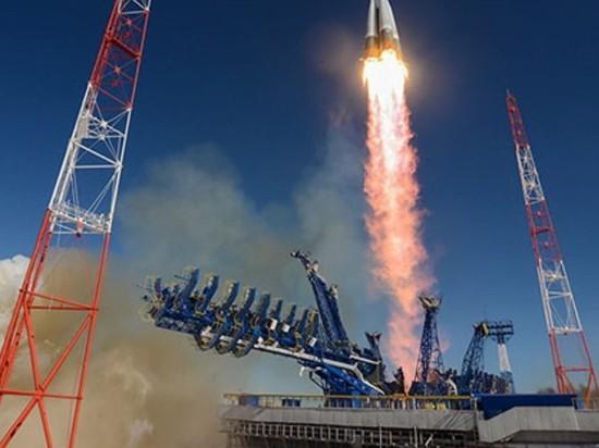 """Рогозин: запуск тяжелой ракеты """"Ангара"""" состоится в декабре"""