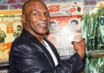 Генсек Федерации бокса России Умар Кремлев заявил, что организация намерена предложить Майку Тайсону и Рою Джонсу - младшему провести следующим летом в России повторный бой