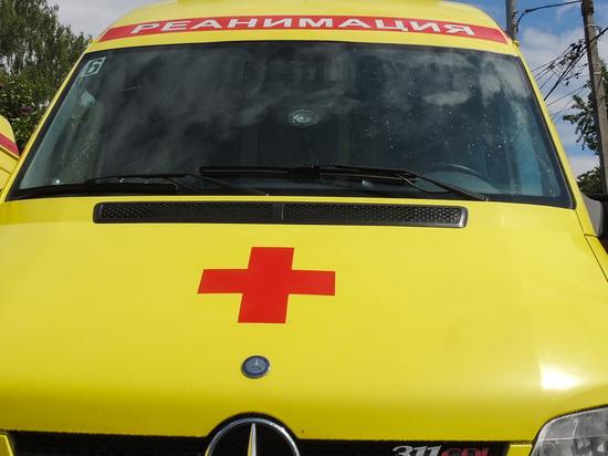 Россиянка умерла в машине скорой помощи из-за пьяных соседей