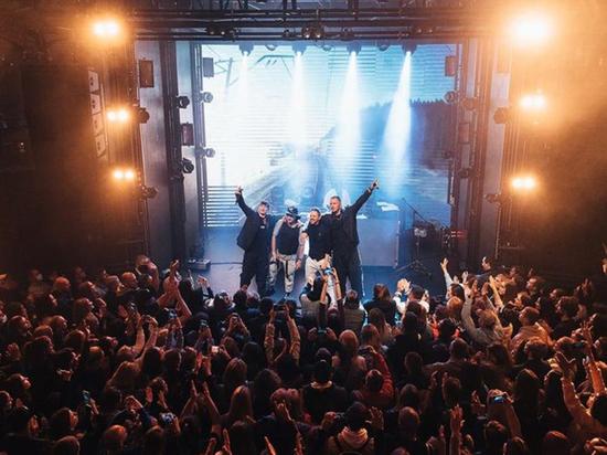 Клип «Выходи гулять» группы «Каста», одной из наиболее влиятельных в иерархии русского рэпа, стал резонансной премьерой недели