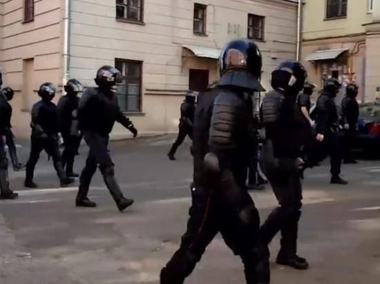 В Минске силовики применили газ против протестующих