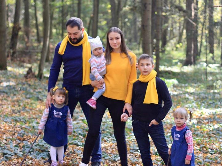 Как примирить братьев и сестер: многодетные мамы поделились опытом
