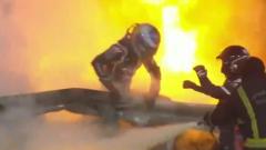 """Жуткий взрыв болида """"Формулы-1"""": пилот выскочил из огня"""