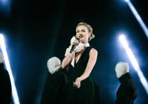 Российская певица Полина Гагарина официально подала на развод с фотографом Дмитрием Искаховым