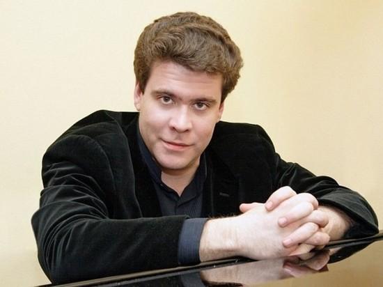 Пианист-виртуоз Денис Мацуев даст в Салехарде два концерта 1 и 2 декабря, однако подарить артисту цветы зрители не смогут, причина тому — пандемия коронавируса и необходимость соблюдения социальной дистанции