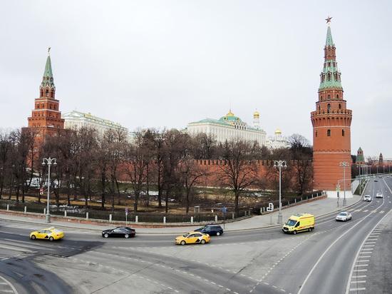 Источник агентства ТАСС сообщил, что суицид сотрудника Федеральной службы охраны (ФСО) на территории Кремля никак не связан с его работой