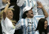 Аргентинские власти начали расследование в отношении Леопольдо Луке - врача бывшего игрока и тренера сборной Аргентины по футболу Диего Марадоны, который скончался на прошлой неделе от острой сердечной недостаточности