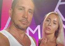 «Выживаем, как можем»: возлюбленная певца Данко похвасталась купленным «дворцом» в Крыму