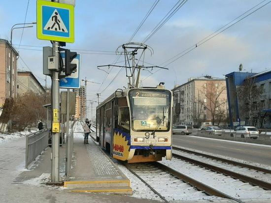 Житель Иркутска восхитился остановкой трамвая в Улан-Удэ