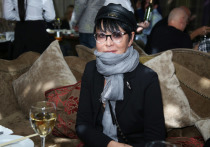Российский политик и экономист Ирина Хакамада раскрыла подробности своего первого развода