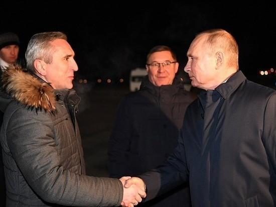 Путин прилетел в Тобольск без шапки и маски