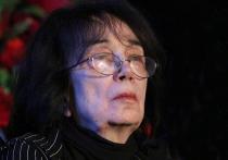 С большим удивлением и искренним недоумением восприняли вдова Алексея Баталова Гитана Аркадьевна Леонтенко и его дочь Мария обвинения в том, что они, якобы, затягивают следствие по уголовному делу о мошенничестве с их имуществом