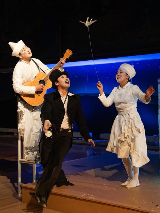В Бурятском драмтеатре Улан-Удэ сдали перфоманс «Золотой цветок»