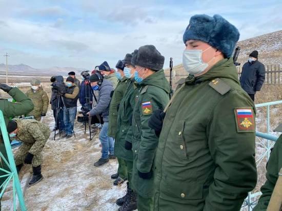В Бурятии преданы земле останки фронтовика, погибшего в 1943 году на Курской дуге