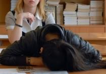 Родители школьников из Калининграда сообщили журналистам, что с них начали требовать деньги за то, что детям рассылают домашние задания в дистанционном формате