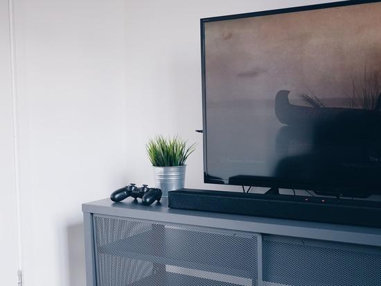 Квартиранты в Карелии, съезжая с арендованной квартиры, прихватили телевизор