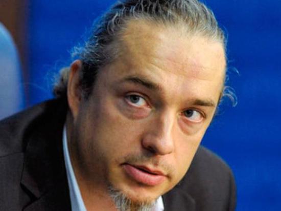 Независимый демограф Алексей Ракша, еще недавно советник Росстата, который был уволен за свою «несистемную» позицию, объяснил, что, на его взгляд, не так с нашей статистикой
