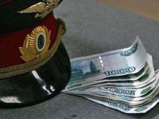 В Чебоксарах двух бывших полицейских осудят за злоупотребление и мелкое взяточничество