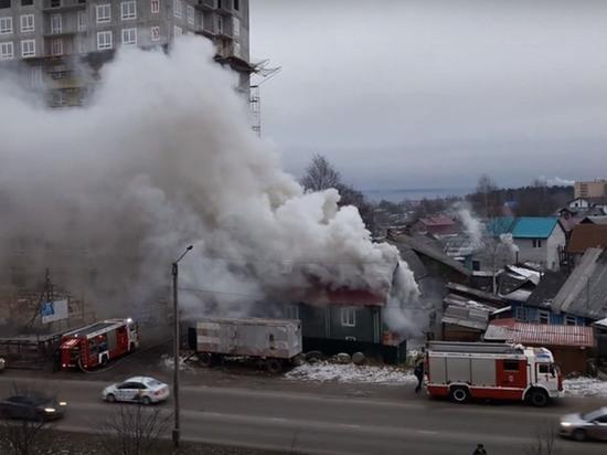 В пожаре в «неудобном» доме на Старой Кукковке пострадал мужчина