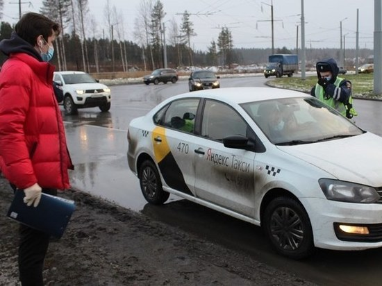 В Карелии проинспектировали соблюдение «масочного» режима в такси
