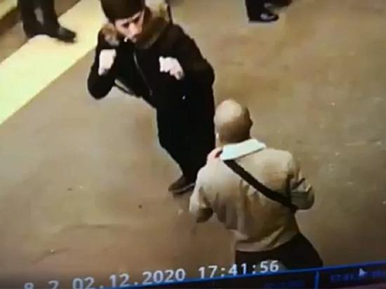 На станции «Площадь Александра Невского» случилась массовая драка