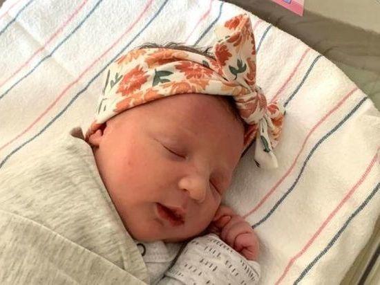 Из эмбриона, замороженного в октябре 1992 года и остававшегосяв хранилище до февраля 2020-го, родилась девочка, между зачатием и появлением на свет которой прошел рекордный срок