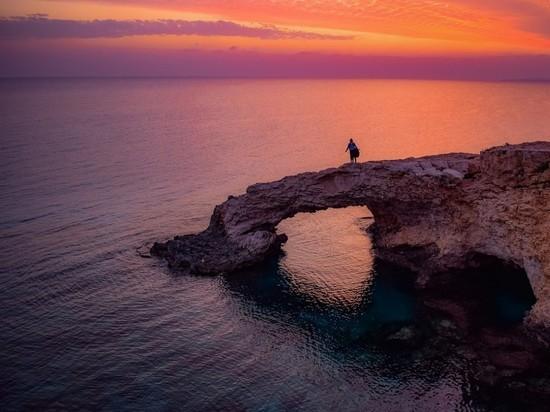 Кипр решил открыть границы для россиян