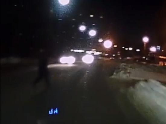 Водитель легковушки сбил пешехода-нарушителя в Чебоксарах