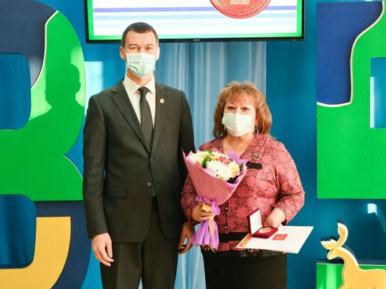 Михаил Дегтярев лично благодарит медиков за борьбу с COVID-19