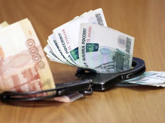 В Калмыкии в получении крупной взятки обвиняется госинспектор