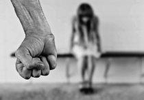 Насиловавшего несовершеннолетнюю падчерицу жителя Кузбасса отправят под суд