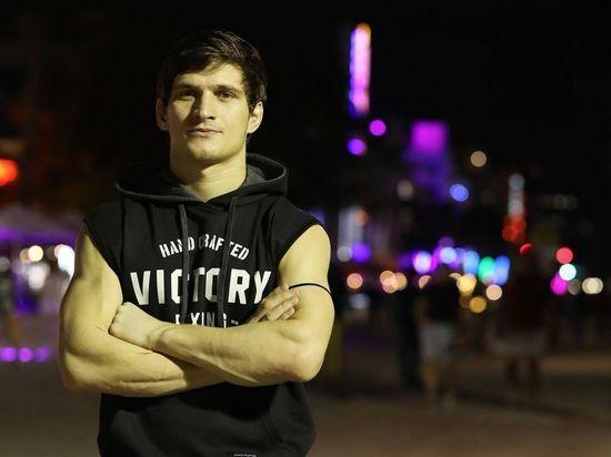 Бывшие чемпионы М-1 подерутся в UFC: Евлоев идет за 4-й победой подряд