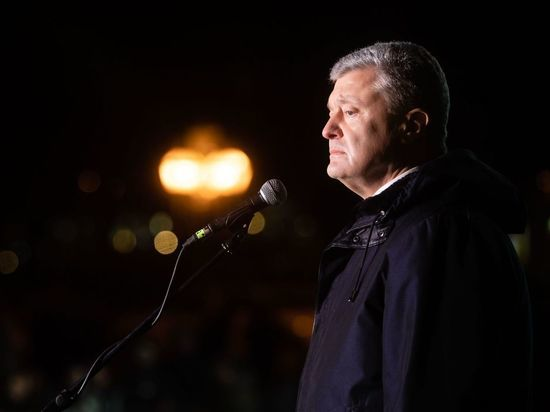 Экс-президент считает, что так его преемник может добиться мира в Донбассе