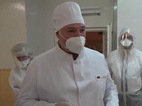 В Белоруссии ситуация с коронавирусом является непростой, заявил в ходе посещения больницы белорусский президент Александр Лукашенко, сообщает Telegram-канал «Пул Первого»