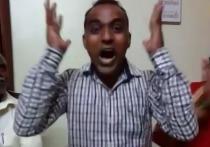 Преподаватель из индийской деревни получил миллион долларов за победу в престижном международном конкурсе учителей «Global Teacher Prize 2020», прошедшем 3 декабря в Лондоне