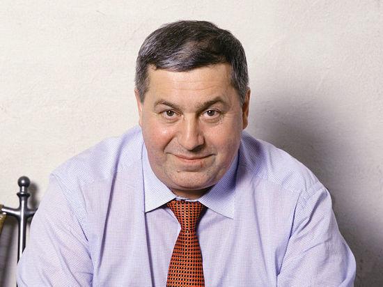 Михаил Гуцериев награждён премией «Виктория» в номинации «Лучший поэт»