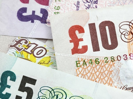 """Великобритания """"потеряла"""" банкноты на сумму 50 млрд фунтов стерлингов"""