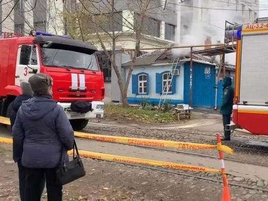 В Краснодаре из-за пожара движение трамваев было заблокировано