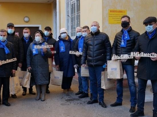 В День добровольца волонтерами стали глава Калуги и областные депутаты