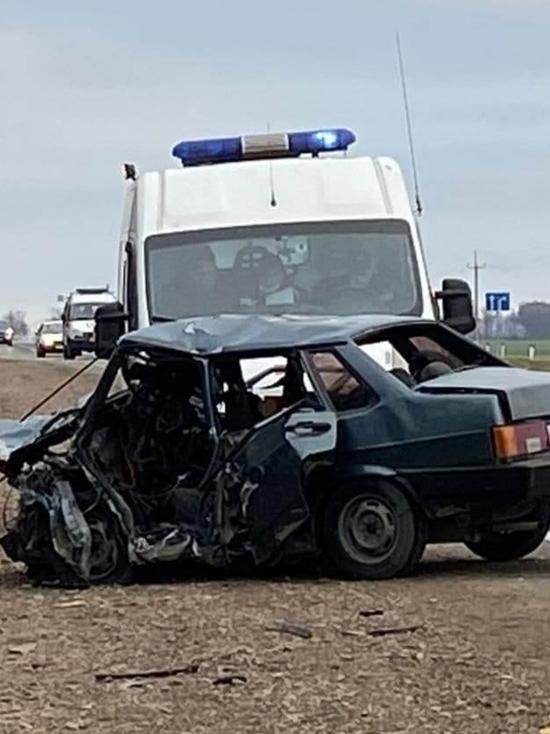 В Каневском районе в крупной аварии погибли пять человек