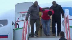 Задержание в Красноярске сторонника террориста попало на видео: взяли в самолете