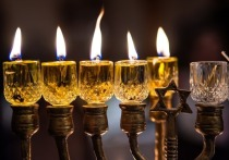 С 25 месяца месяца кислев по еврейскому календарю последователи иудаизма будут отмечать Хануку