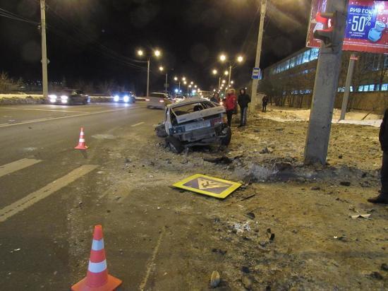 25-летний водитель пострадал в столкновении двух ВАЗов в Чебоксарах