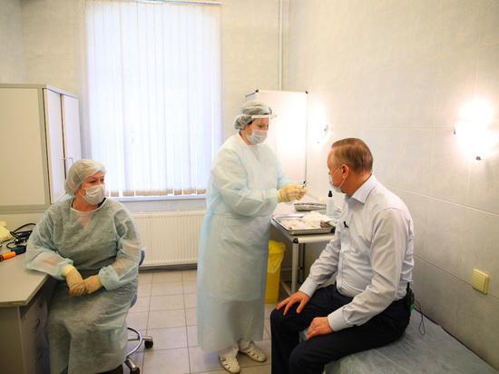 Вакцинирование от COVID в Петербурге предложили делать в салонах красоты