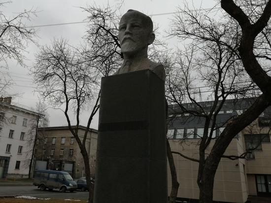 Петрозаводские загадки: почему памятник Шотману установлен на улице Кирова. ФОТО